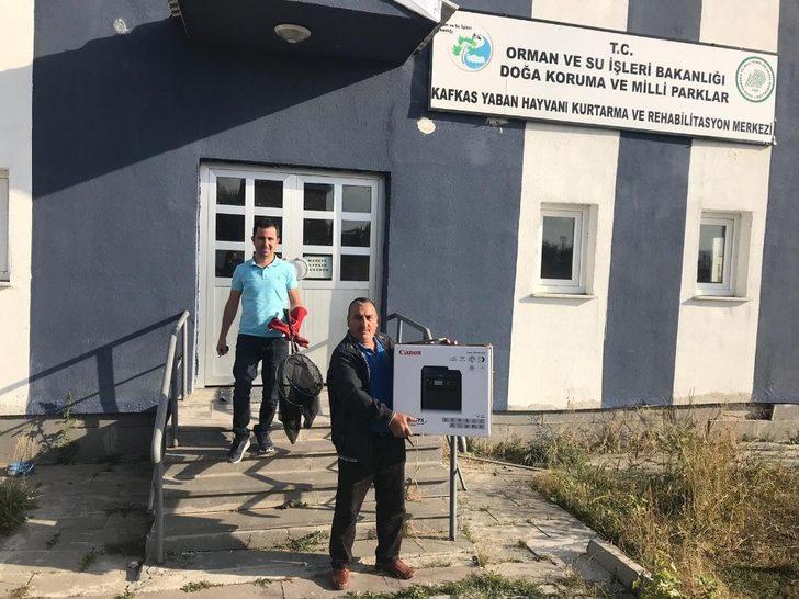 Yaralı kuşlar Kars'ta tedavi altına alındı