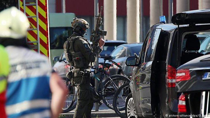 Köln'deki rehine krizinde terör şüphesi