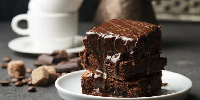 Islak kek tarifi: Çikolatalı, kakaolu ve çok pratik ıslak kek tarifleri (Videolu anlatım)