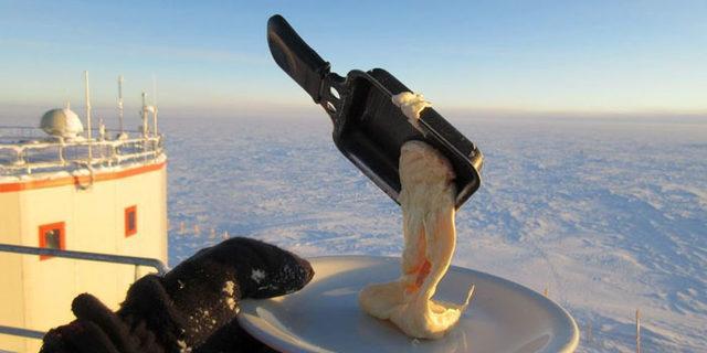 Hava eksi 70 dereceyken yemek pişirmeye kalkınca bakın neler oldu!