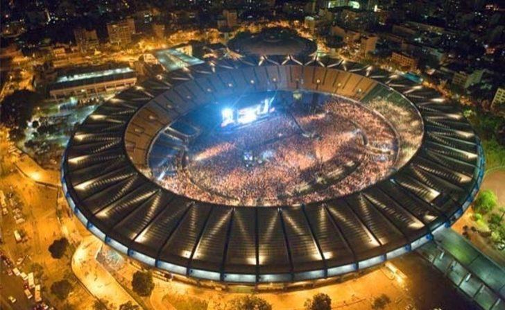 Dünyanın Şu An Aktif Kullanılan En Büyük 10 Futbol Stadyumu