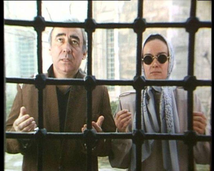 Günümüz Komedi Filmlerini Eteğinde Sallandıran 12 Eski Türk Filmi