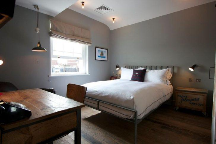 Sadece Erkekler İçin Tasarlanmış Dağınıklığa Yer Bırakmayan 14 Yatak Odası
