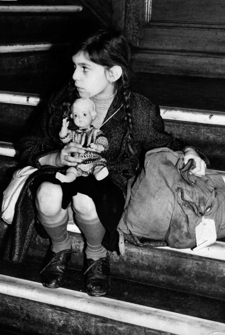 Çocuklar Soykırımdan Böyle Kaçırılmışlardı. 1938-1939 Yılları Arasında Nazi Almanyası'ndan Kurtarılan Çocukların Fotoğrafları Sizi Çok Üzecek.