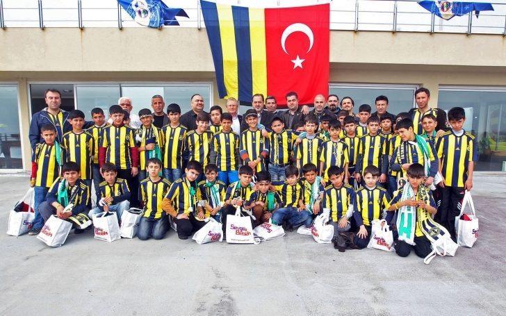 """Fenerbahçe'den Amedspor Maçı Öncesi Anlamlı Hareket: """"Çocuklar Ölmesin Maça Gelsin!"""""""