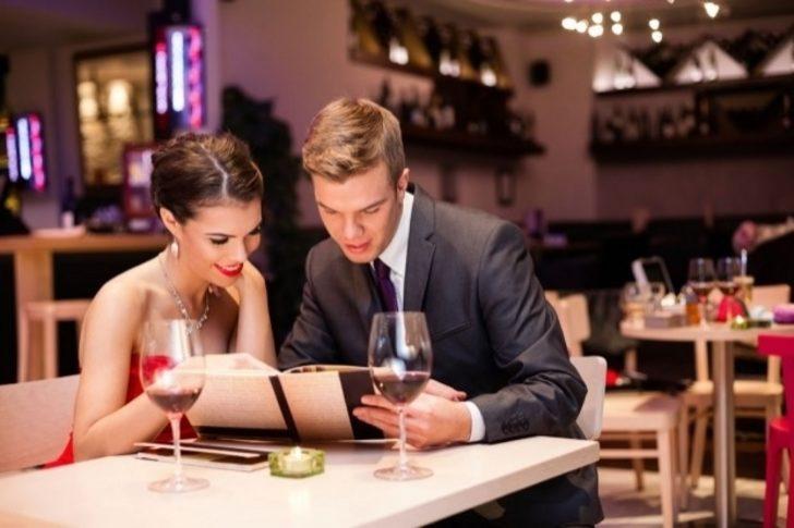 İfşa Ediyoruz: Restoran Menülerinin Daha Çekici Olmasını Sağlayan 5 Psikolojik Numara