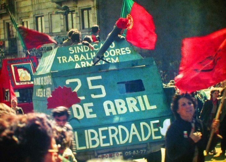 Şarkıyla Başlayan Ayaklanma; Karanfil Devrimi