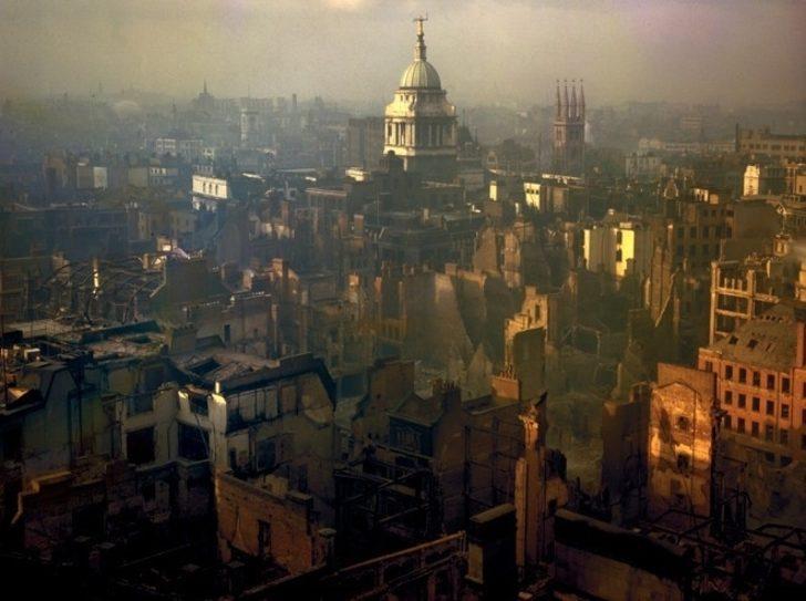 İkinci Dünya Savaşı Sırasında Renklendirilmiş Fotoğraflarla Londra
