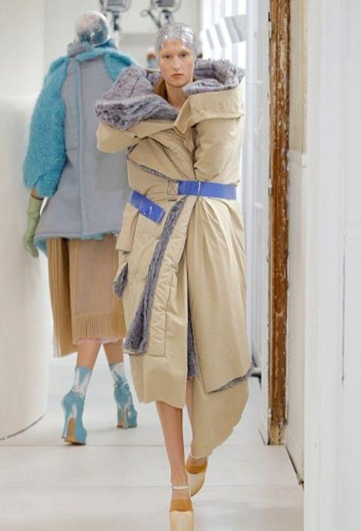 Görünce 'Böyle moda olmaz olsun!' diyeceğiniz abuk sabuk 20 kıyafet