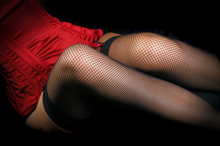 Garip ama gerçek! 'Kadınlar seks sırasında çorap giydiğinde orgazm olasılığı artıyor'