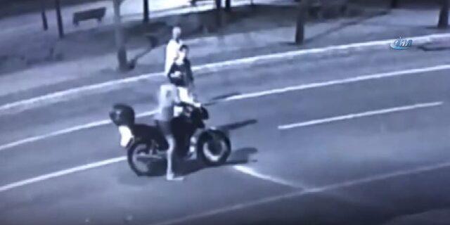 Motosikletli gasp girişimi sivil polislere takıldı