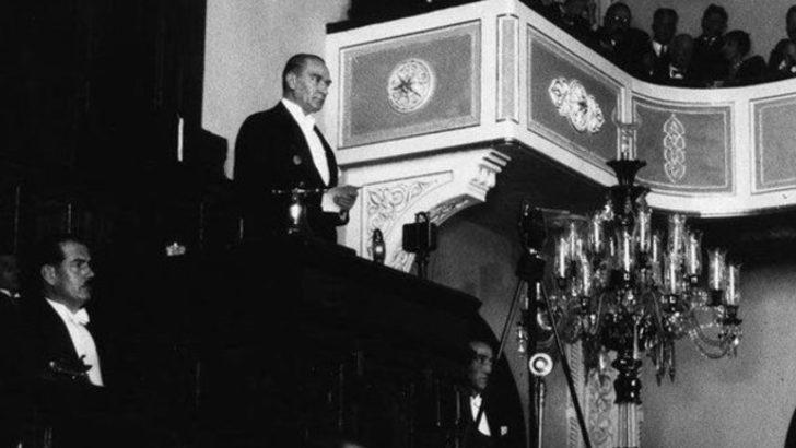 Mustafa Kemal Atatürk 29 Ekim Cumhuriyet Bayramı törenlerinde! - Son Dakika  Haberler