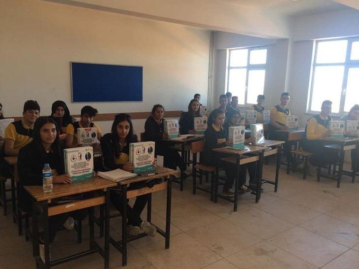 Belediye'den öğrencilere kitap desteği