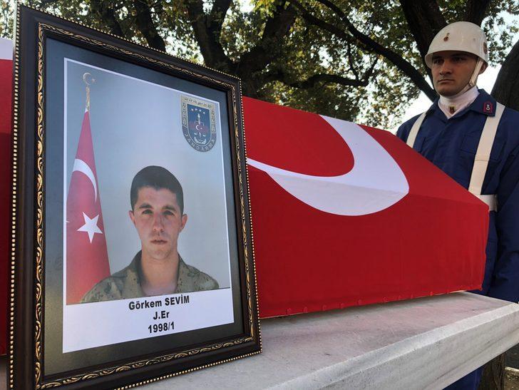 Kalp krizi sonucu yaşamını yitiren asker, son yolculuğuna uğurlandı