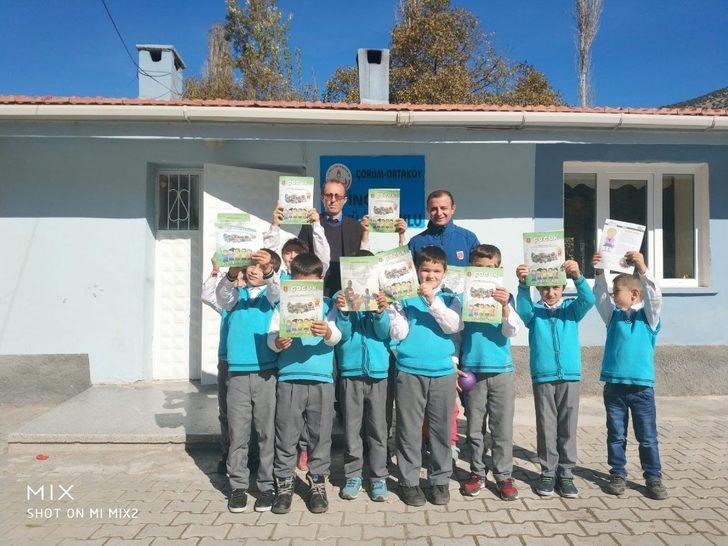 Jandarma çocuklara kitap sevgisi aşılıyor