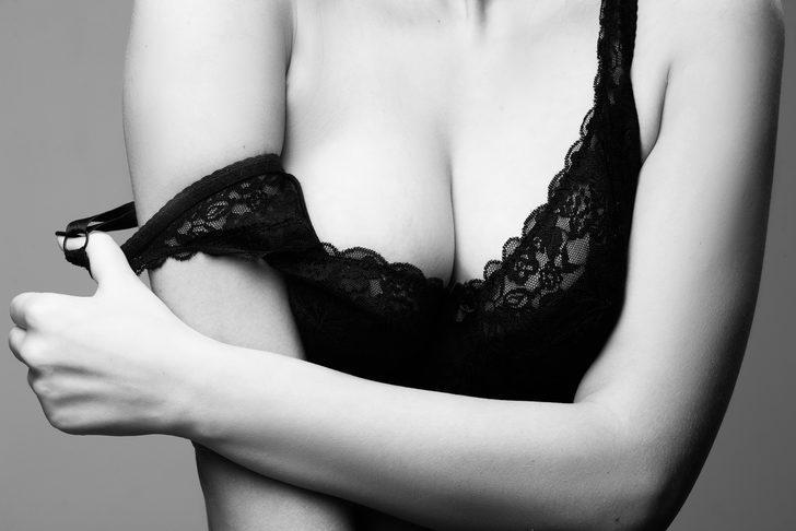 Büyük göğüs sağlığı tehdit ediyor, kadınlar dikkat!