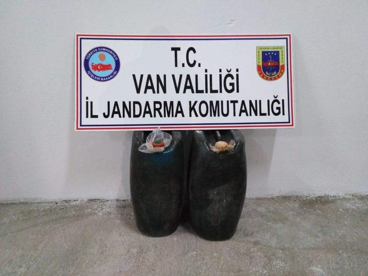 Van'da bin 210 litre kaçak akaryakıt ele geçirildi
