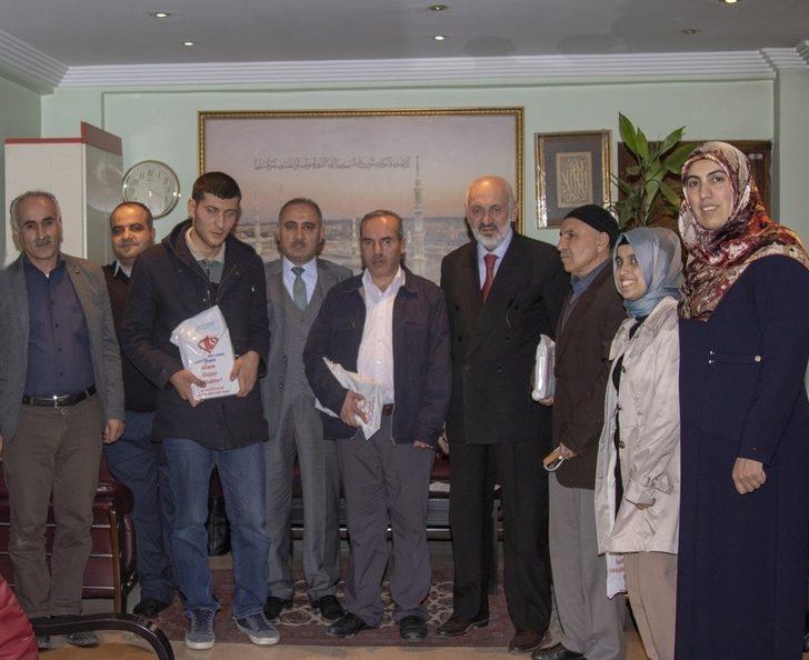 Van'da 'Umre Ödüllü Kur'an-ı Kerim' yarışması