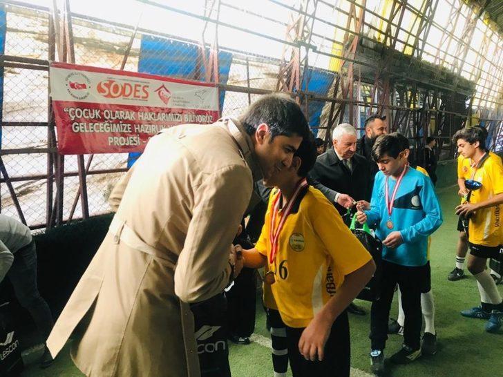Van'da 'altın ödüllü' futbol turnuvası