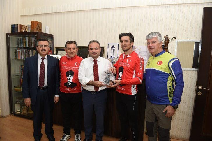 Samsun'dan yola çıkan bisikletçilerin ilk durağı Çorum oldu