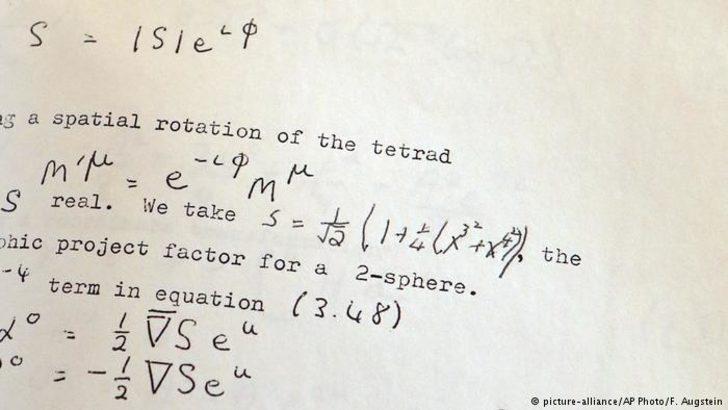 Hawking'in tezi 767 bin dolara alıcı buldu