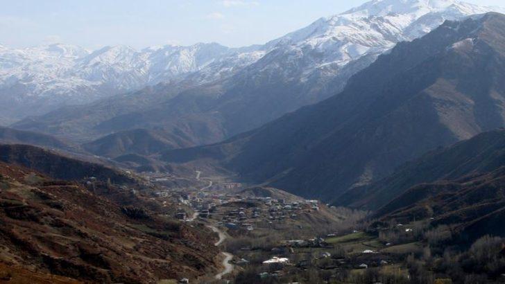 Hakkari'de Üs Bölgesinde Patlama: 25 Asker Yaralandı